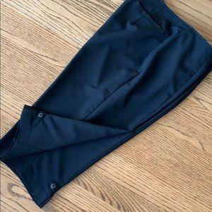 ISISPORT Black Knee Length Short. Black 12